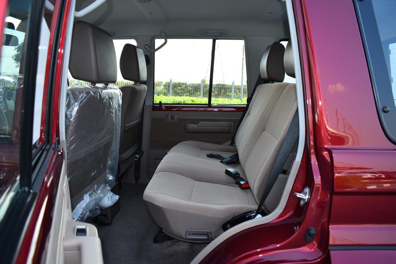 Toyota LC 76 Hardtop back seat view with open door