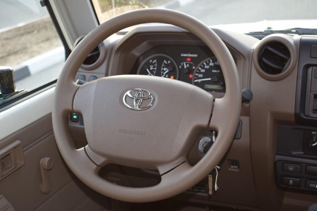 TOYOTA LC78 HARDTOP V6 4.0L PETROL MT Steering Wheel