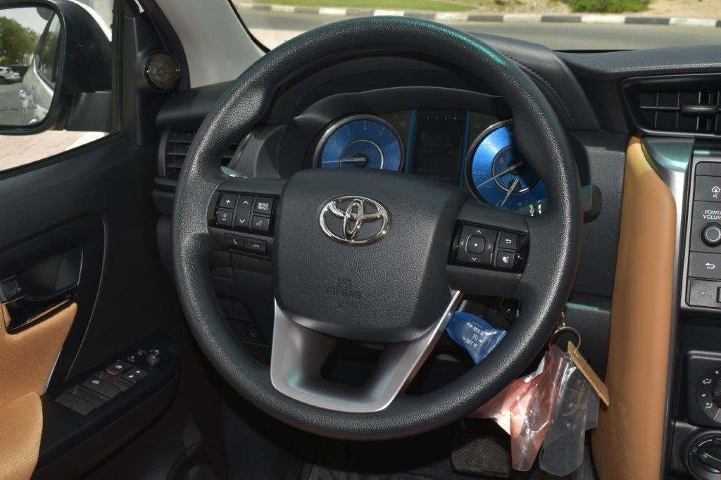 Toyota Fortuner steering wheel