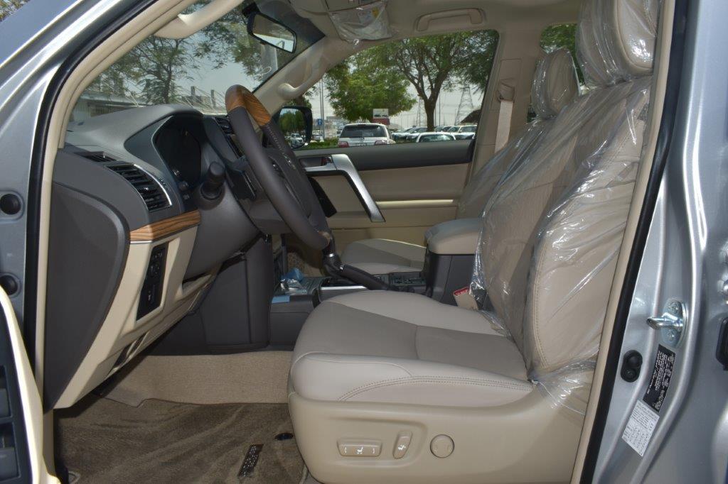 TOYOTA PRADO VX V6 4.0L PETROL AT MIDNIGHT EDITION Front seat of prado