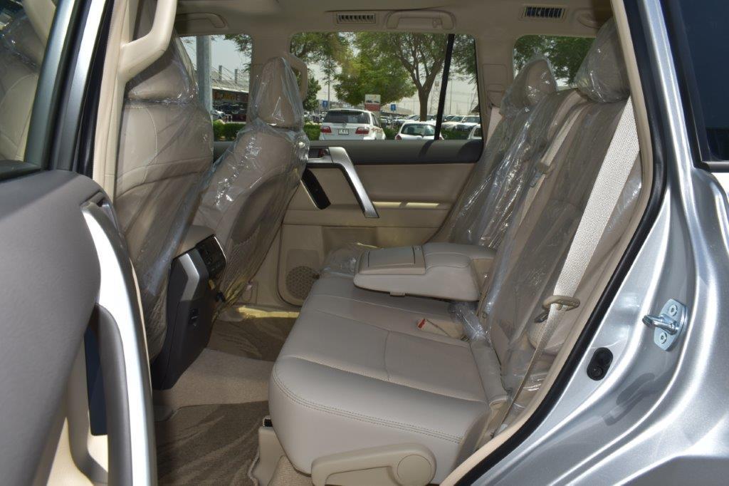 TOYOTA PRADO VX V6 4.0L PETROL AT MIDNIGHT EDITION Back seat of prado