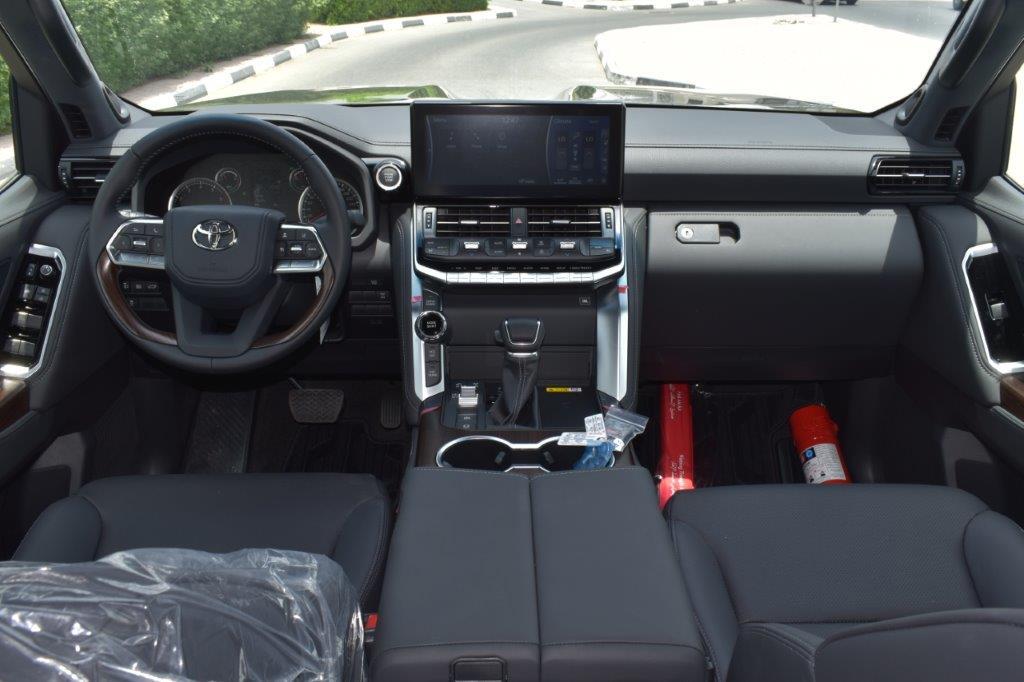 TOYOTA LAND CRUISER 300 GXR Dashboard