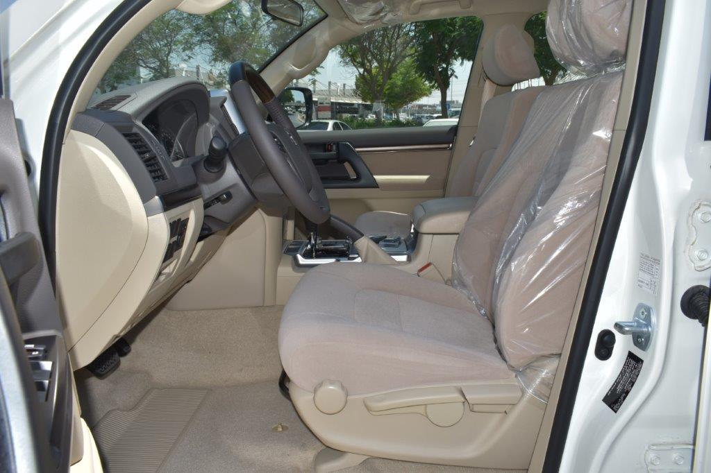 TOYOTA LC200 GX R V8 4.6L PETROL AT Full front seat