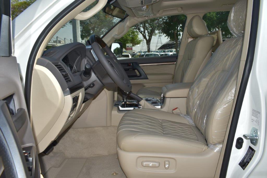 TOYOTA LAND CRUISER 200 Front Seat