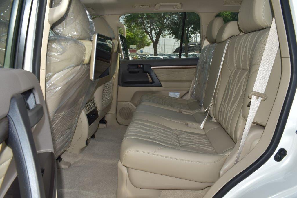 TOYOTA LAND CRUISER 200 Back seat