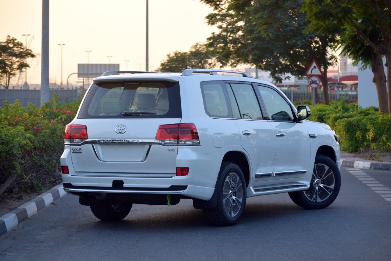 TOYOTA LAND CRUISER 200 GX-R car 1