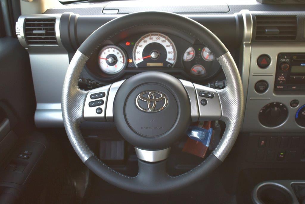 TOYOTA FJ CRUISER Steering