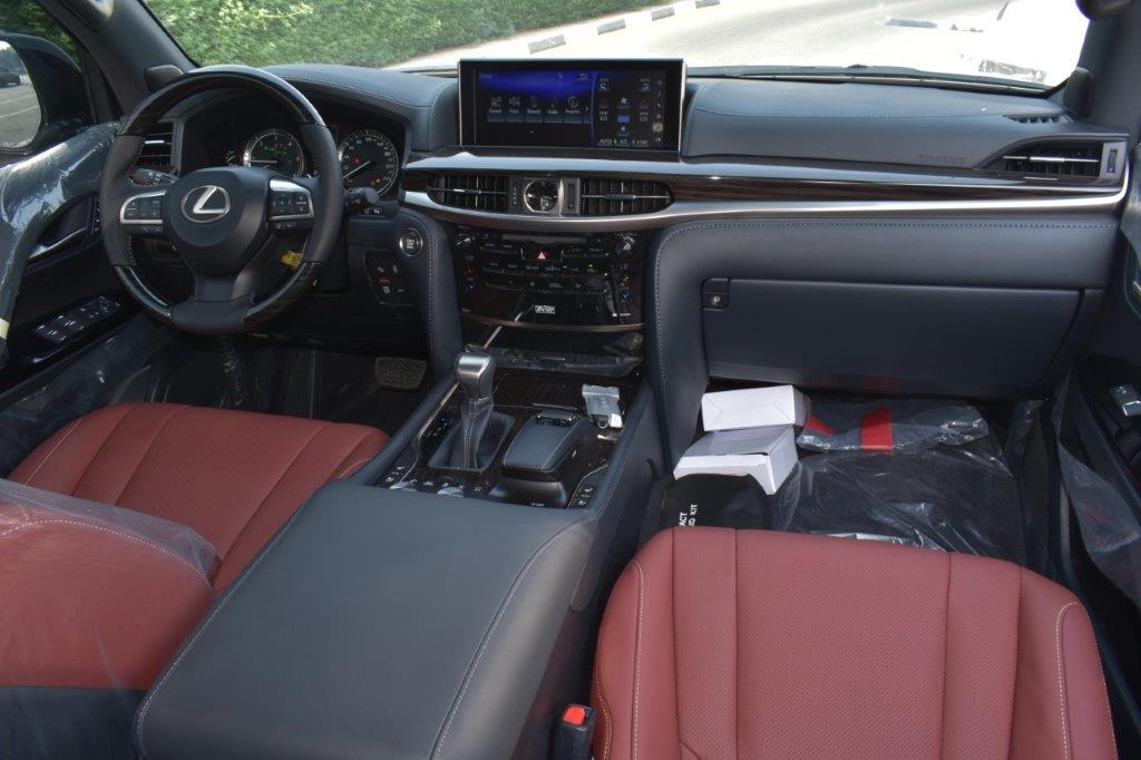 LEXUS LX450D V8 4.5L AT SPORT PLUS Front seat view
