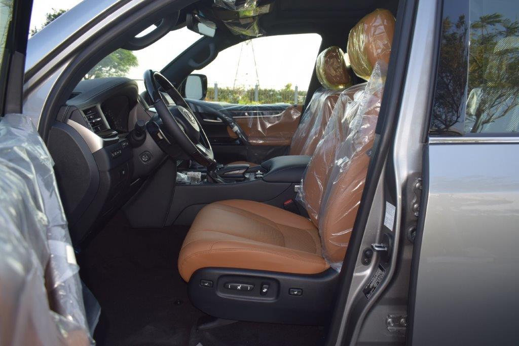 LEXUS LX570 V8 5.7L PETROL AT SUPERSPORT front seat