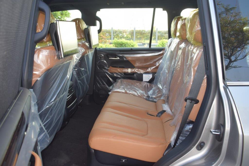 LEXUS LX570 V8 5.7L PETROL AT SUPERSPORT back seat