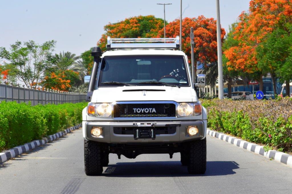 OWN at 2021 TOYOTA LC76 HARDTOP LX DLX V8 4.5 MT SAHARA EDITION