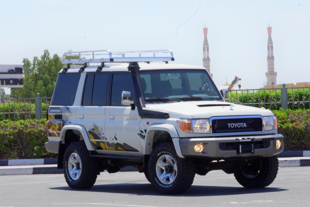 OWN 2021 TOYOTA LC76 HARDTOP LX DLX V8 4.5 MT SAHARA EDITION