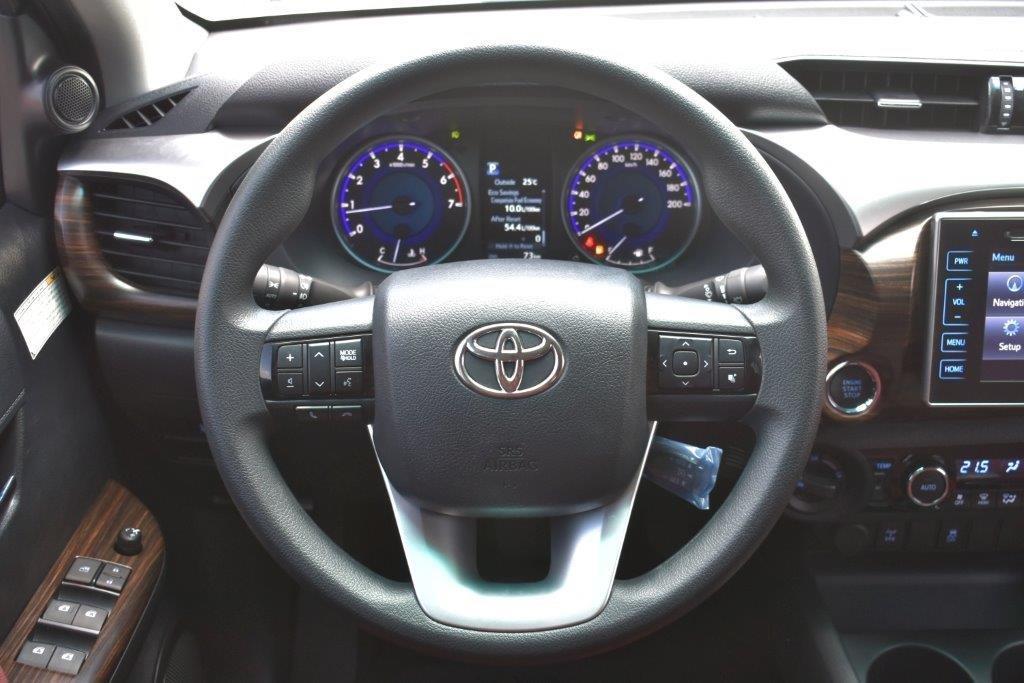 toyota hilux xtreme  4L interior dashboard image