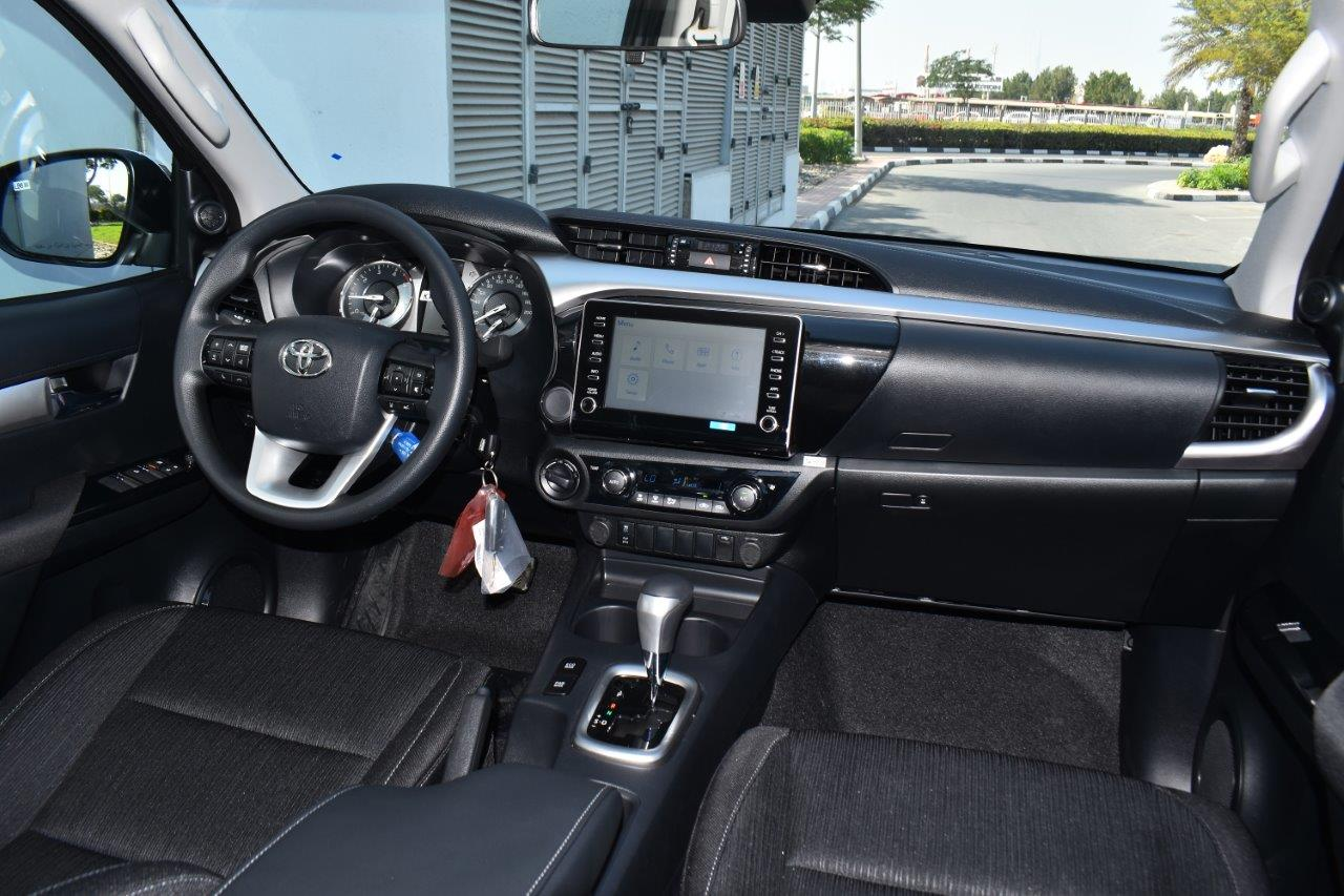 Hilux double cabin 2.8l glxs dashboard image