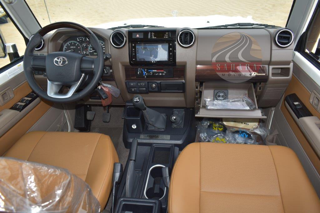 2022 toyota hardtop / wagon diesel interior dashboard image