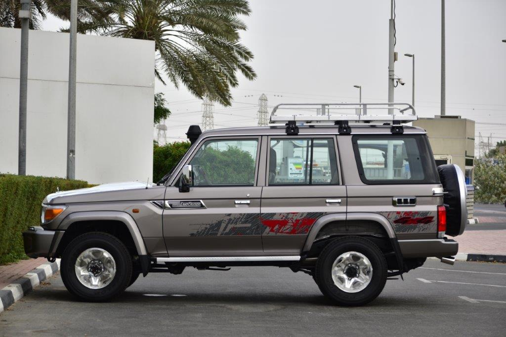 2022 LC 76 HT LEFT SIDE VIEW IMAGE