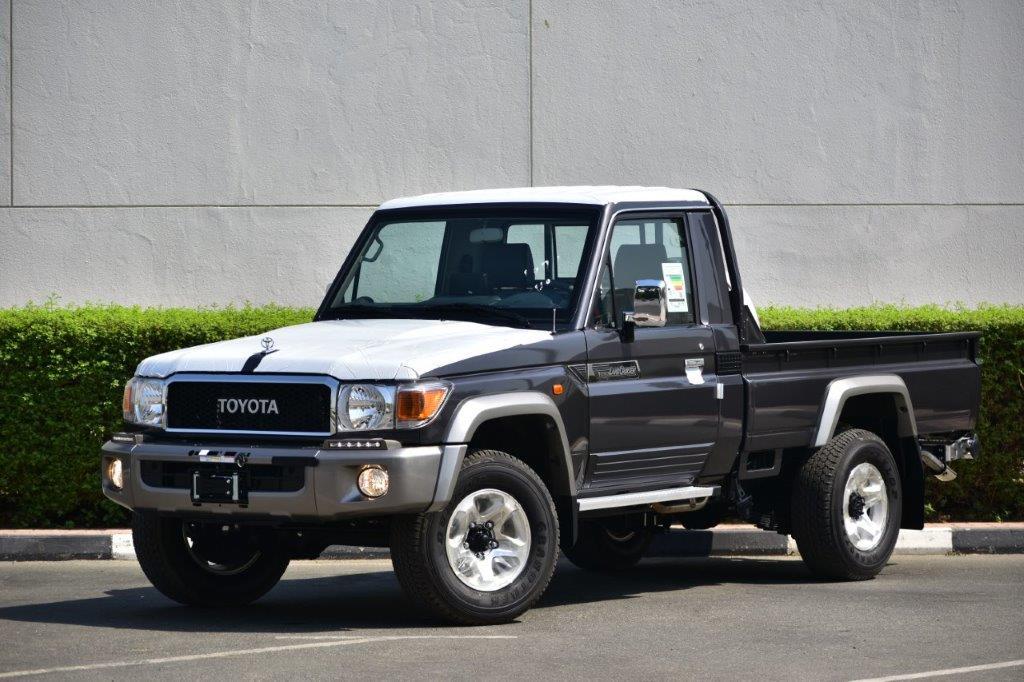 2022 LC Pickup79 petrol image
